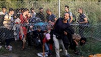 Migrants scramble in Hungary ahead of tougher border controls