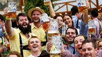 Oktoberfest kicks off in Munich