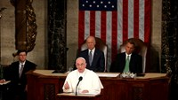 Pope calls on U.S. Congress to help migrants