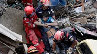 Hillside collapses on Guatemalan town, killing 25; hundreds missing