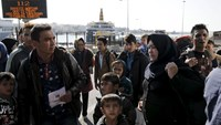 Migrant smugglers held in Greece