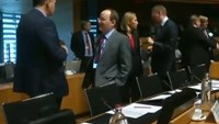 EU condemns Russian strikes on Syria, demands they stop