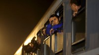 U.N. fears migrant backlog as refugees divert into Slovenia