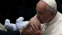 Pope condemns xenophobia against gypsies