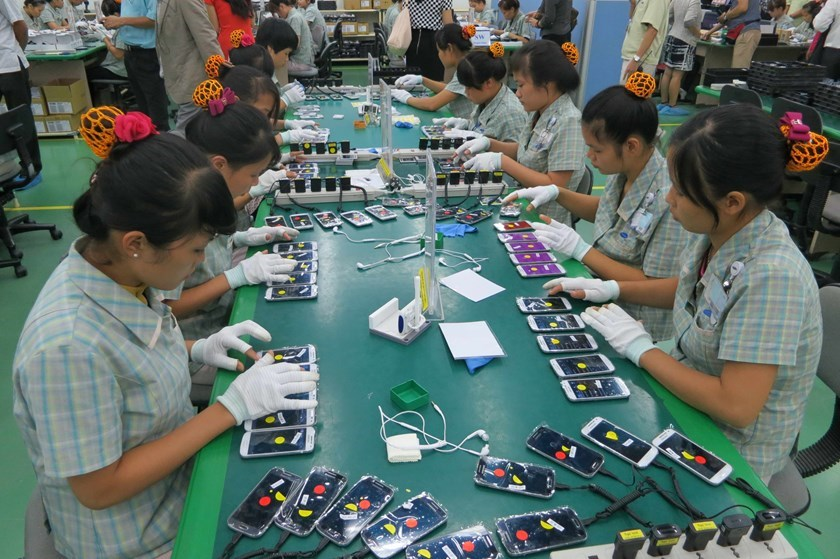 Workers at a Samsung Factory in Vietnam. Photo: Doan Xuan Hai