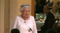 "Queen jokes with Canada's PM for ""making me feel so old"""