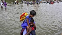 180 dead in Indian floods