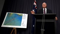 Australia to step up missing plane search