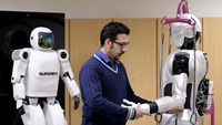 Iranian scientists unveil advanced humanoid robot