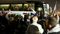 Hundreds evacuated from Syria under UN deal