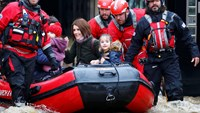 Historic floods force rethink of Britain's flood defenses