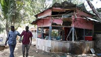 Suicide bomber kills three people in Somali capital