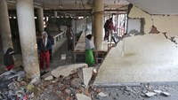 Earthquake rocks South Asia