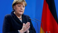 Merkel promises firm action after 'intolerable' Cologne assaults