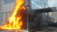 Fire breaks out at Kosovo government HQ during unrest
