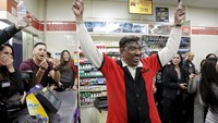 Three winning Powerball tickets sold