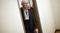 International Monetary Fund Managing Director Christine Lagarde returns to her office after an interview at IMF headquarters in Washington July 1, 2015. Photo: Reuters/Jonathan Ernst