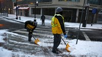 Monster storm hits U.S. East Coast
