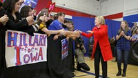 Clinton supporters in Iowa want to delete email controversy