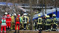 At least eight dead, 150 injured in Bavaria train crash