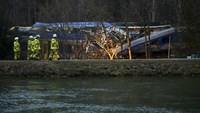 Auto-stop magnets the focus of German train crash probe