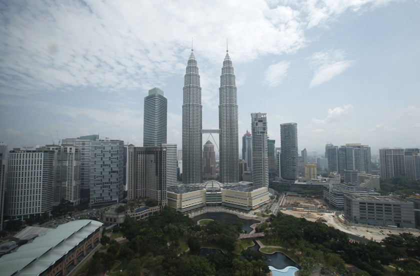 A view of Malaysia's landmark Petronas Twin Towers in Kuala Lumpur is seen in this June 27, 2013 file photo. Photo: Reuters/Bazuki Muhammad