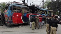 Islamists claim responsibility for Pakistan bus bomb