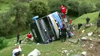 Bus crash kills at least 24 in Peru