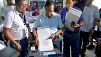 Philippines heads to the polls