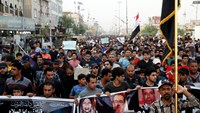 Iraqi protesters denounce government, want protection