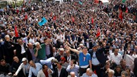 Turkish police block meeting of dissidents