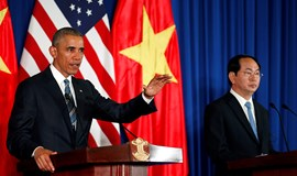 Obama lifts embargo on arms trade with Vietnam
