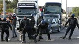 Battle lines drawn in France oil strikes