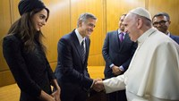 Papal awards given to Clooney, Hayek and Gere