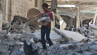 Air strikes hit Syria's Aleppo