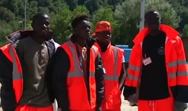 African migrants among the volunteers in quake-hit Italy