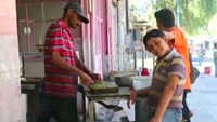 Syrians return to former Islamic State town
