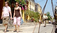 Vietnam ancient town to expand pedestrian area