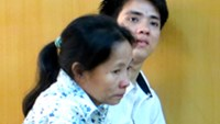 Chau Hong Liem and his mother Le Thi Ben were jailed at a HCMC court on April 16 for attempting to rob a foreign tourist