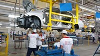 Vietnam won't abandon auto industry despite looming threats
