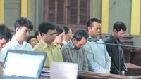 Vietnam sentences ex prison guard to death for drug, gun smuggling