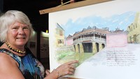 Brit painter's exhibition showcases Vietnam town's beauty