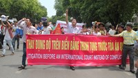 Lawyer urges Vietnam to sue China over sea violations