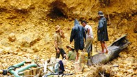 Illegal gold mine collapse kills 2 in central Vietnam