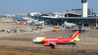 Bomb hoax holds flight up in northern Vietnam