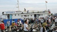 Ship with over 100 on board breaks down off Vietnam coast