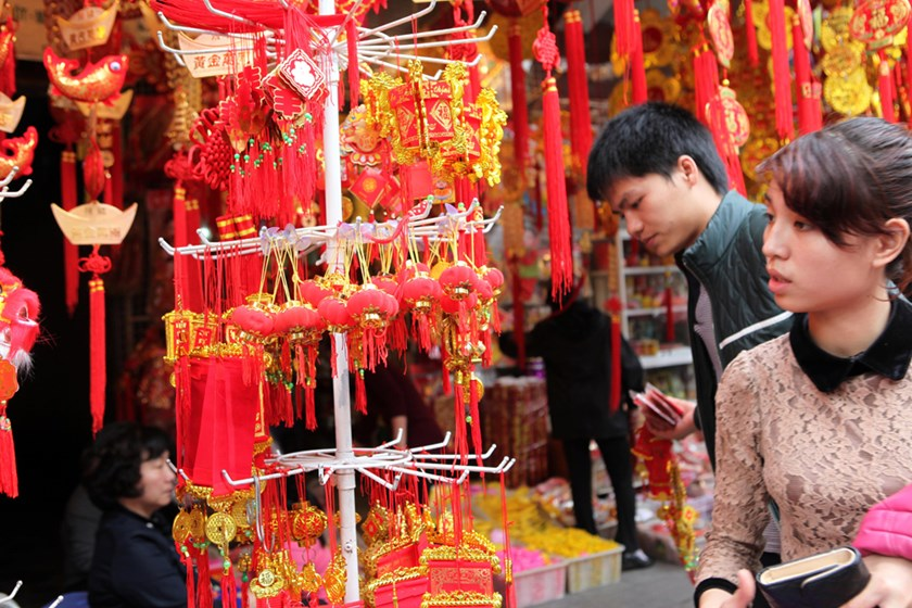 Shops of red decorations in Hanoi. Photo: Ngoc Thang