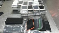 Chinese charged with smuggling nearly 25,000 iPhone copycats into Vietnam