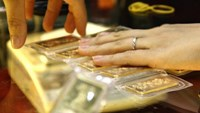 Vietnam's gold demand falls 29 percent as local prices remain high