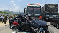 Pregnant woman, last victim of Da Nang car-bus collision, dies in coma